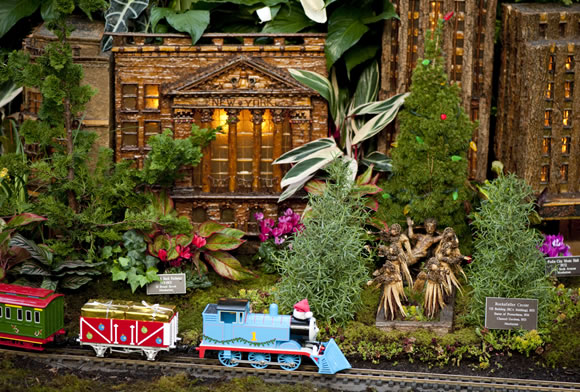 The new york botanical garden s holiday train show for New york botanical gardens train show