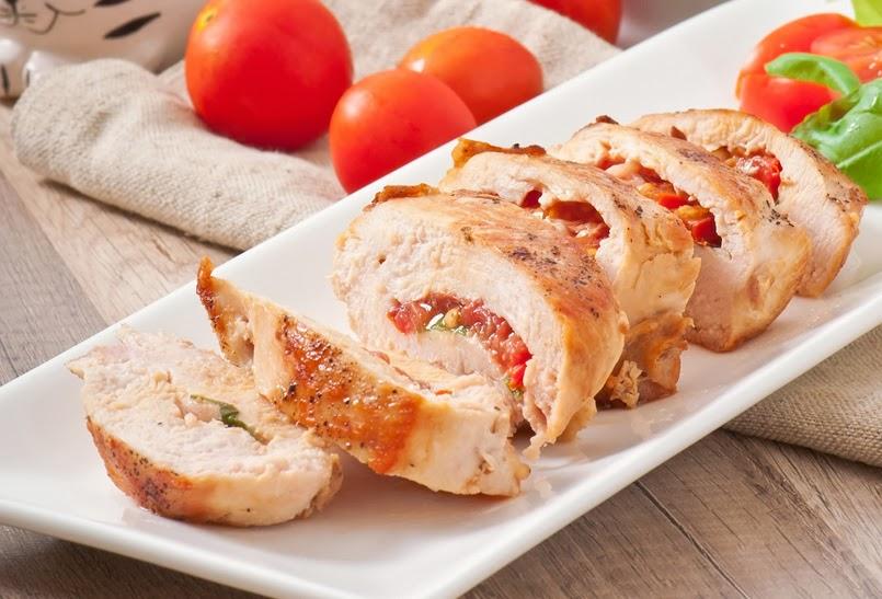 Platos rotos pechugas de pollo rellenas de salsa de tomate y al horno - Salsas para pechuga de pollo ...