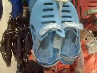 Conto Sepatu Abal abal