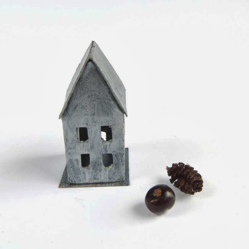 Faux zinc little house for dollshouse