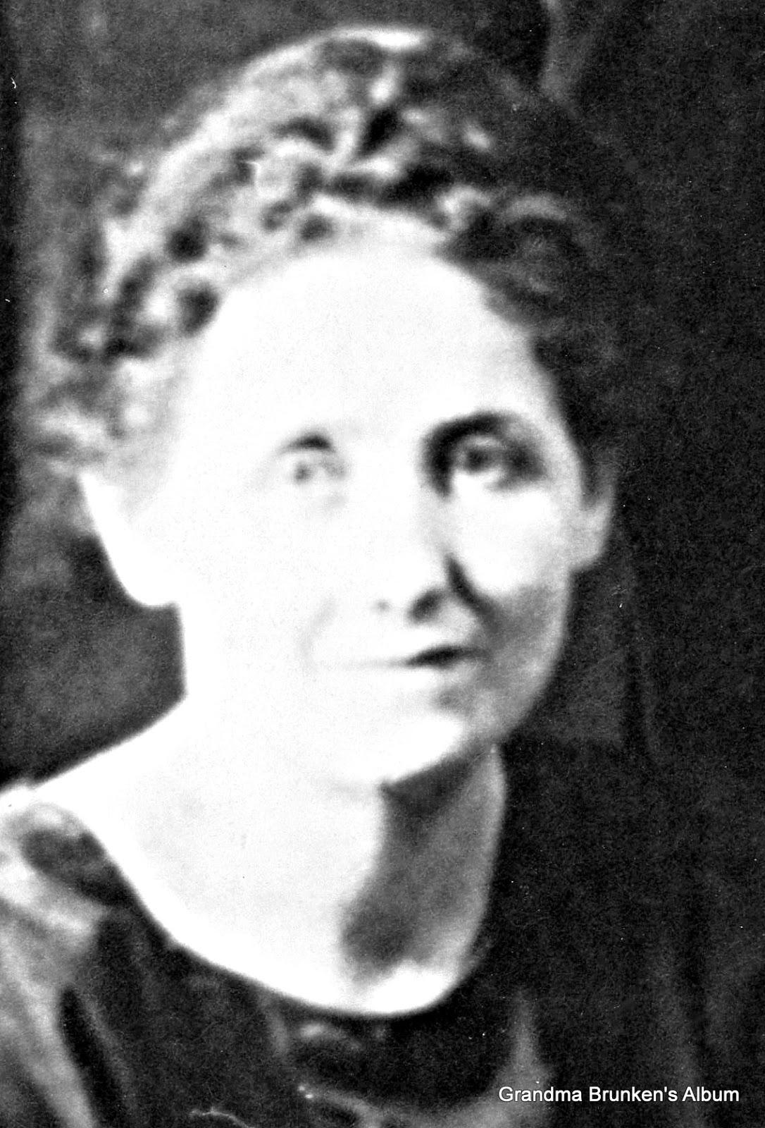 Anna M. (Brunken) Roesch