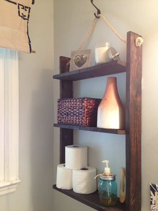 Small Bathroom Storage: DIY Pallet Board hanging shelf title=