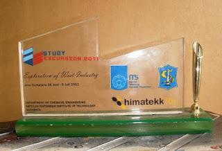 Pusat Plakat Trophy, Resin Acrylic, Gambar Plakat, 0856.4578.4363, www.rumahplakat.com
