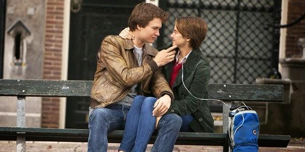Ansel Elgort e Shailene Woodley em A CULPA É DAS ESTRELAS (The Fault in Our Stars)