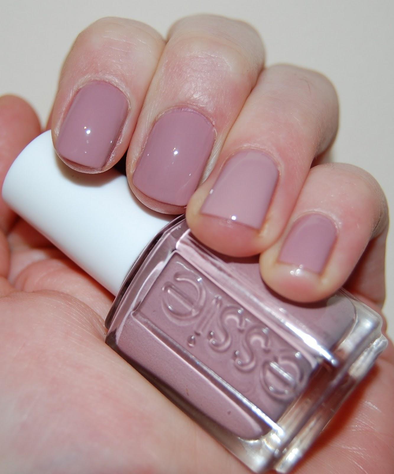 Lipstick Fridays - Beauty Blog: Nail of the day