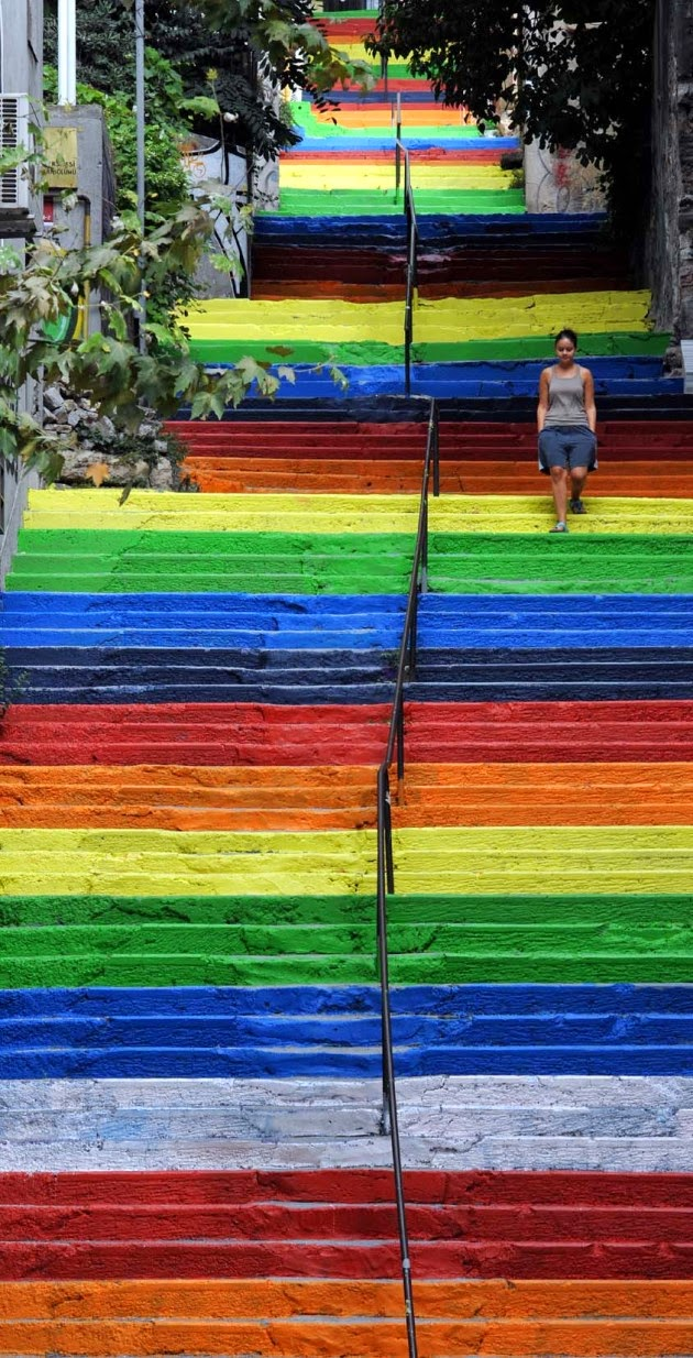The Best Examples Of Street Art In 2012 And 2013 - Rainbow Stairs in Istanbul by Huseyin Cetinel