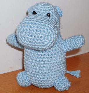 http://www.espaciocrochet.com/2006/12/amigurumi-hipoptamo.html