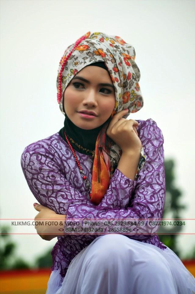 Model Jilbab / Model Hijab pada Hunting Bareng ( Hunber ) & Buka Bareng ( Bukber ) Komunitas Fotografer Banyumas, Minggu 20 Juli 2014 di GOR Satria Purwokerto