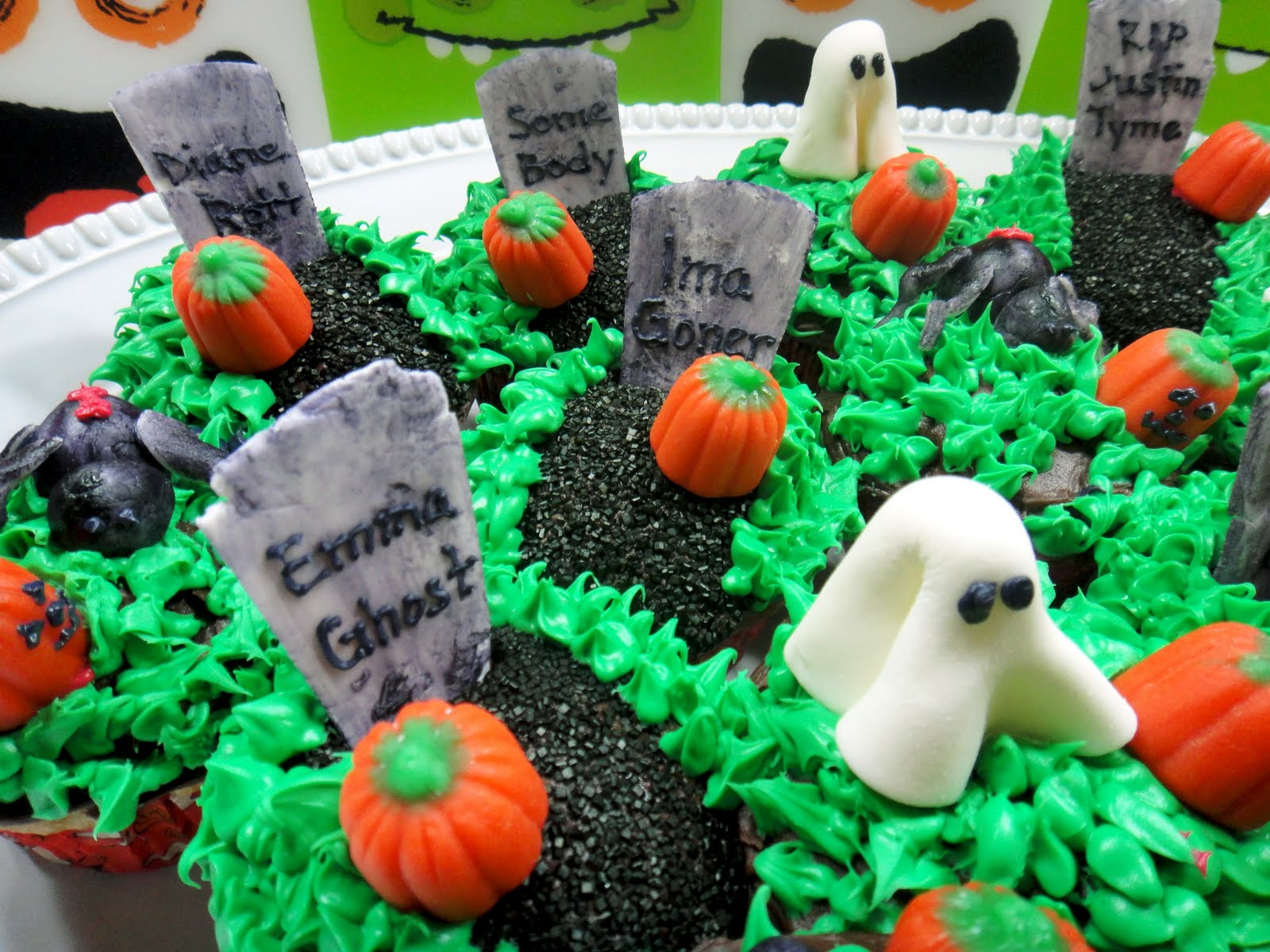 Worth pinning halloween cupcakes Halloween cupcakes