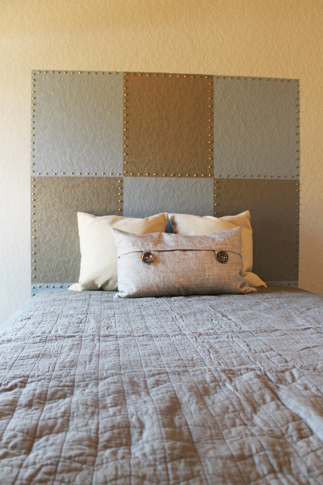 The ragged wren how to faux headboards for Fake headboard