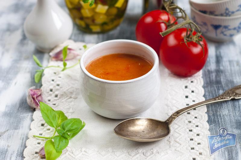Zupa z pomidorami i ricottą