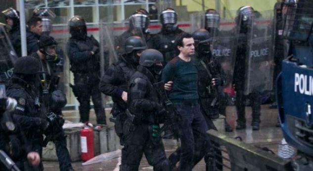 """Lirohet Albin Kurti nga burgu, caktohet masa me """"arrest shtëpie"""""""