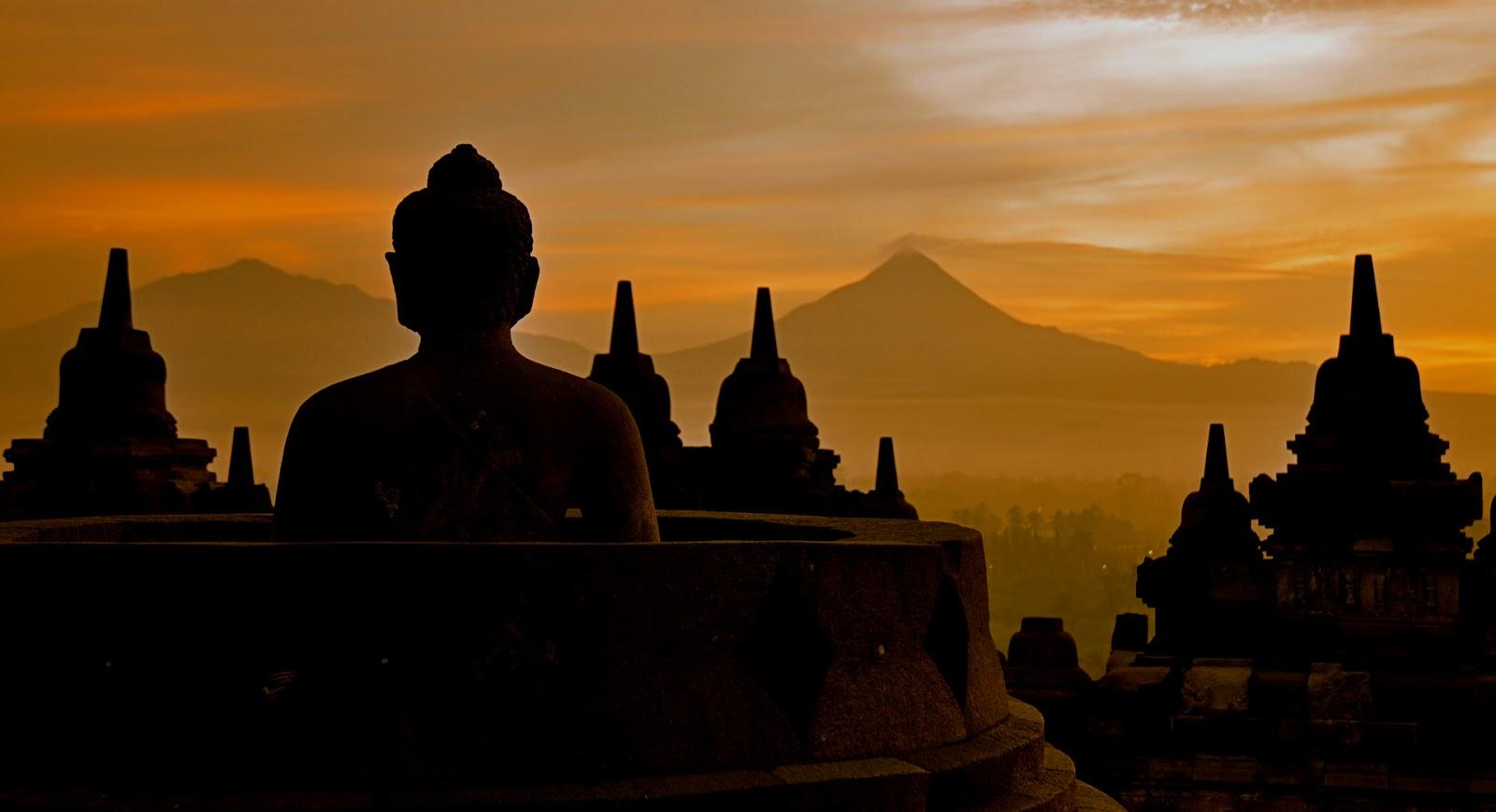 salah satu arca Buddha di Borobudur (dok/keywordsking.com)