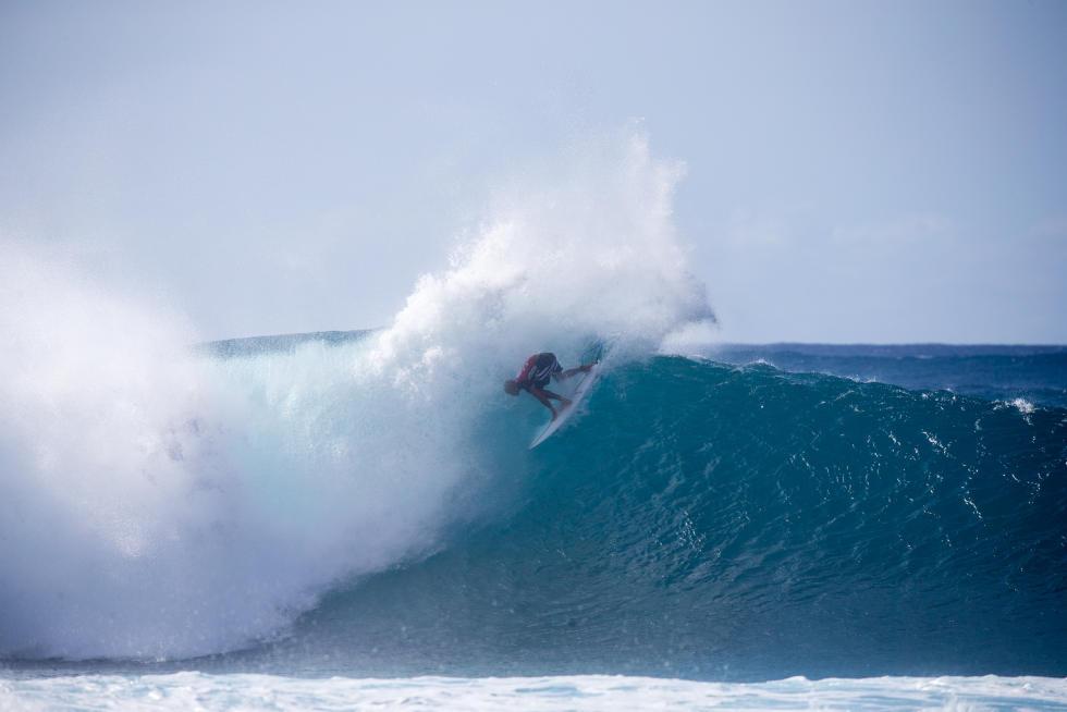 19 Kelly Slater Volcom Pipe Pro Foto WSL Tony Heff