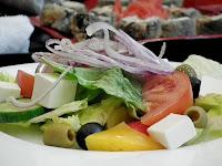 entrée fraicheur, la salade tomate, feta, olives