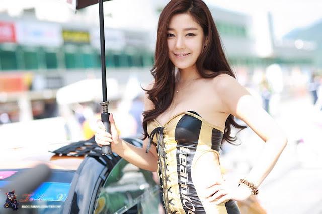 Jo Sang Hi at CJ Super Race R5 2011