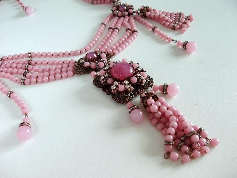 Czechoslovakia beads vintage Estonian handicraft designer jewelry jewellery