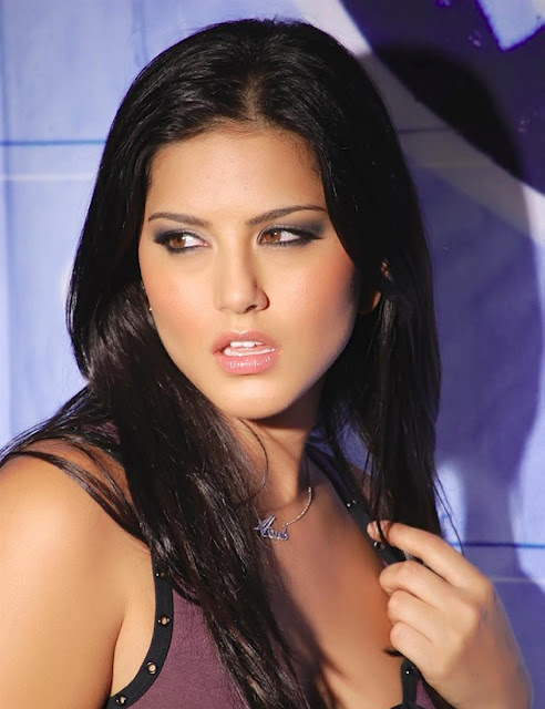 Sunny Leone Spicy Close-up image