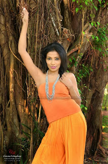 Nadeeka Priyadarshani orange