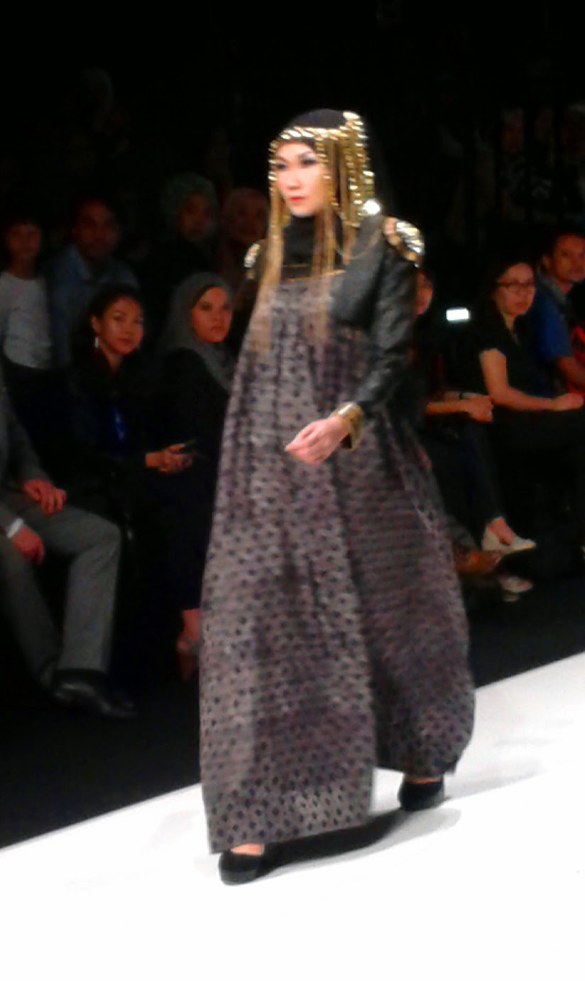 Throwback to jakarta fashion week 2014 nur zahra jenahara dian jenaharas collections stopboris Image collections