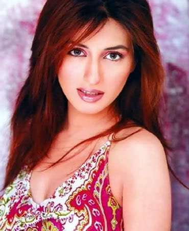 Erum Akhtar Biography http://onlinefmradiochannels.blogspot.com/2011/11/biography-of-iman-ali-pakistani.html