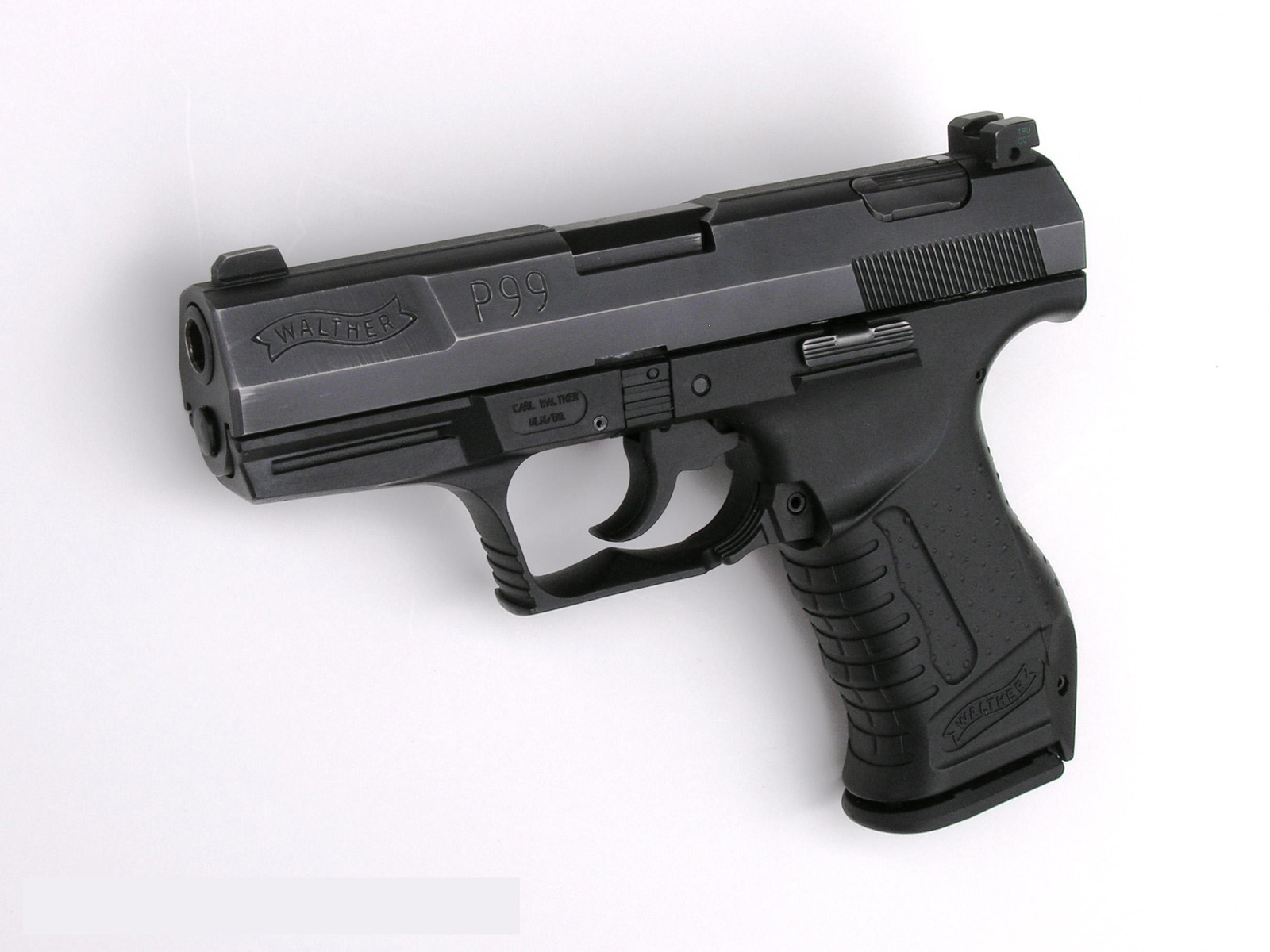http://2.bp.blogspot.com/-8p62s3YT2I8/Tn1g2RVWONI/AAAAAAAABUQ/eYyzd53twIA/s1600/Walther_PPK_99_9mm_Gun_HD_Weapon_Desktop_Background_Psuperos_Vvallpaper.net.jpg
