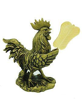 Chú gà trống được ví như linh vật với sức mạnh và lòng can đảm có thể dập tắt những rắc rối không mong muốn