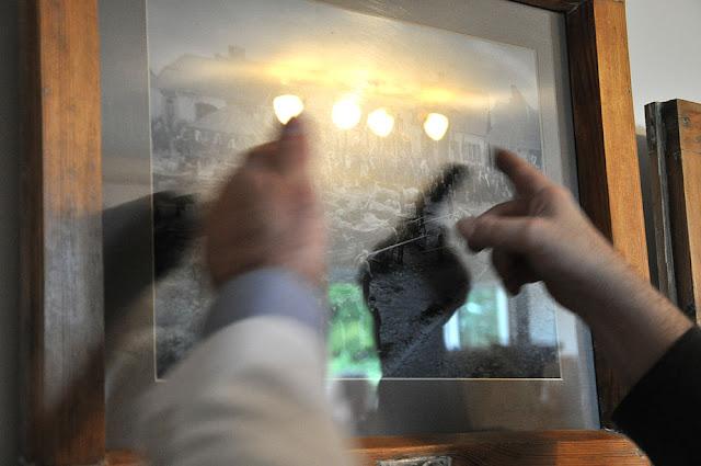 Radoszyce, galeria Biłasówka, wystawa Radoszyce w starej fotografii. Nie tylko ta fotografia rozbudziła wspomnienia i nieodłaczne emocje. Fot. KW.