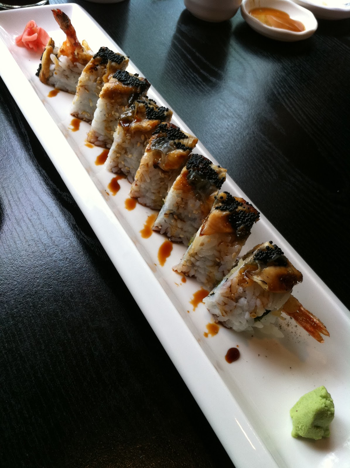 how to eat sushi rolls in two bites