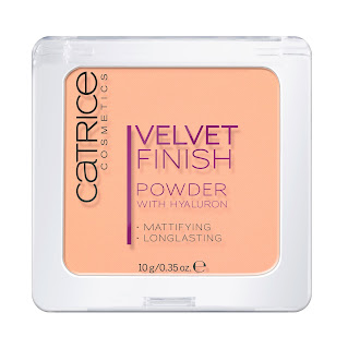 CATRICE Velvet Finish Powder with Hyaluron - www.annitschkasblog.de