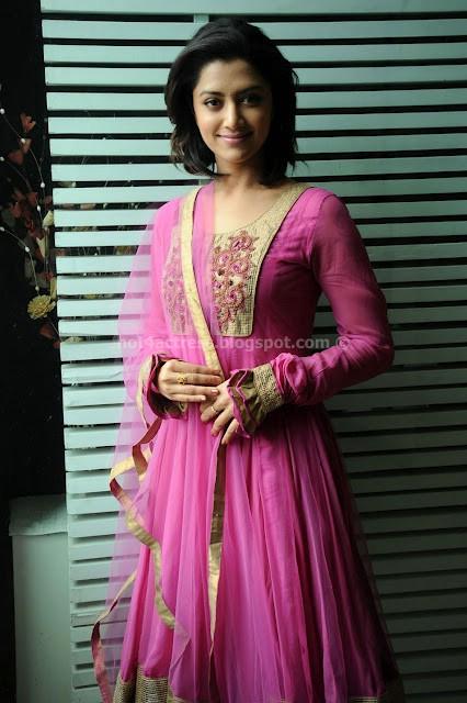 MAMATHA MOHANDAS CUTE PHOTOS indian traditional dress