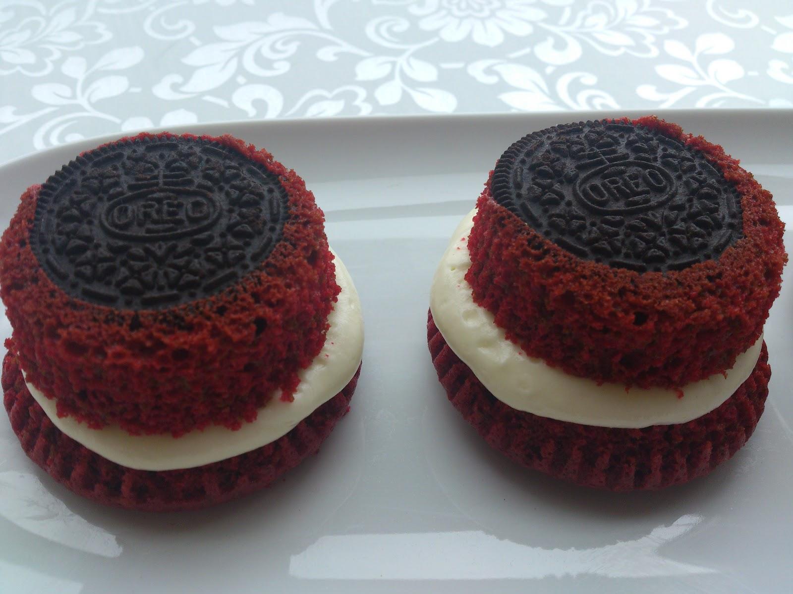 Oreo red velvet cupcakes unos cupcakes sui generis - Tarta red velvet alma obregon ...