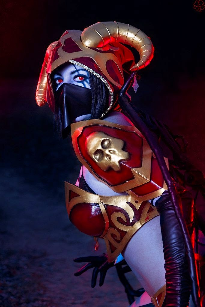 Dota 2 Cosplay Queen of Paint