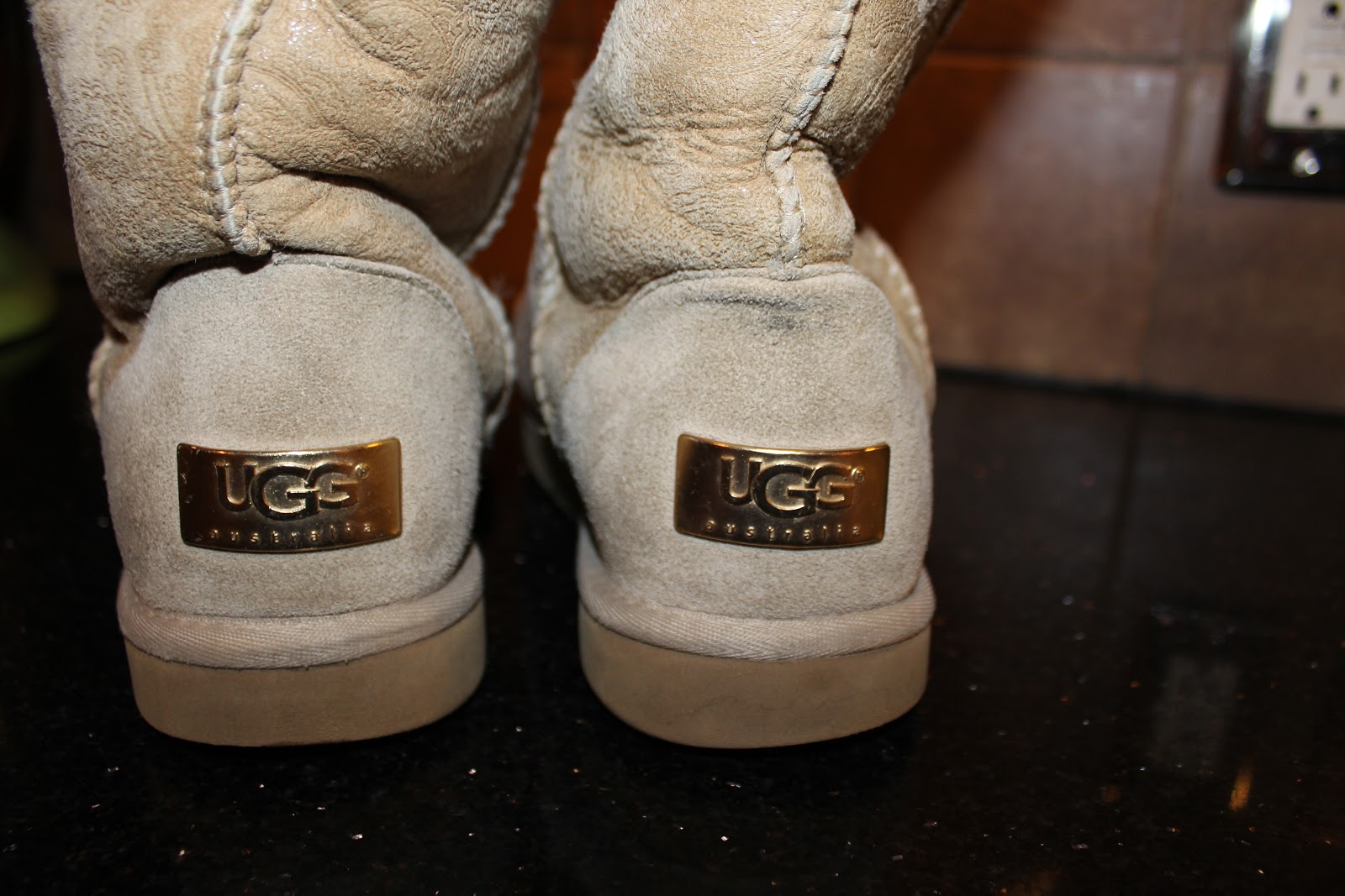 how to clean uggs at home without ruining them