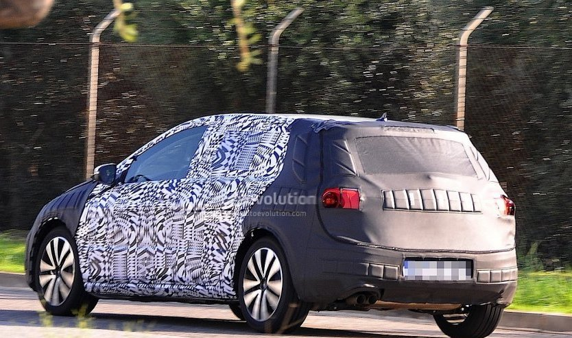 Updated 2013 VW Golf VII First Spy Photos