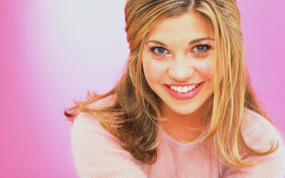 Danielle Fishel Cool Wallpaper