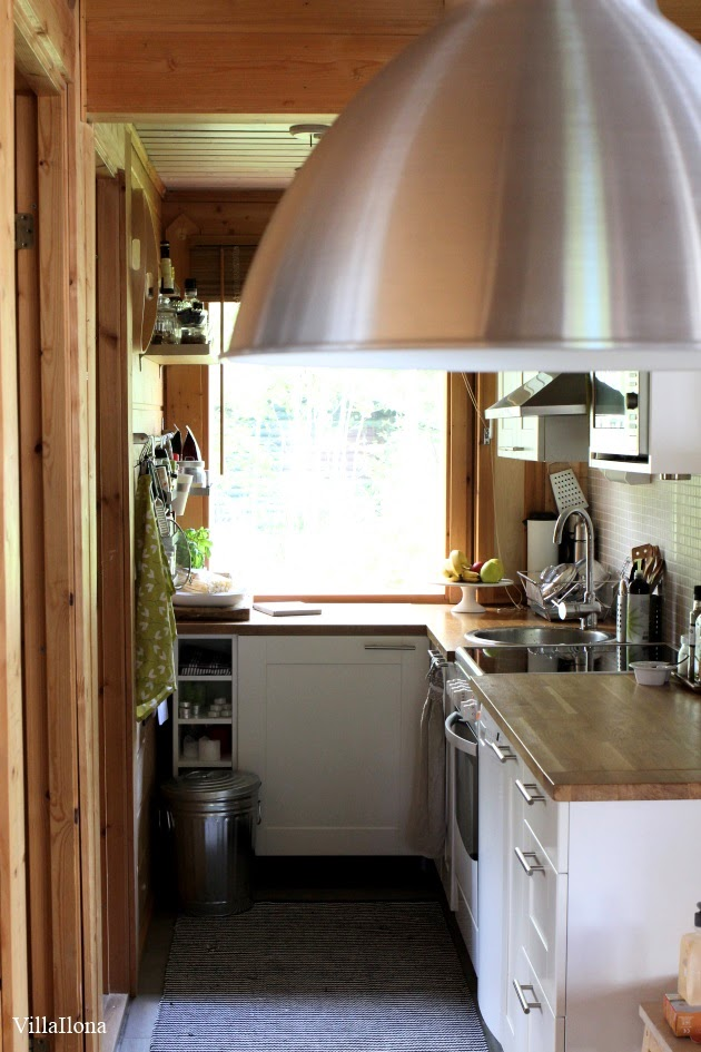 VILLA ILONA Mökin keittiö ennen ja jälkee