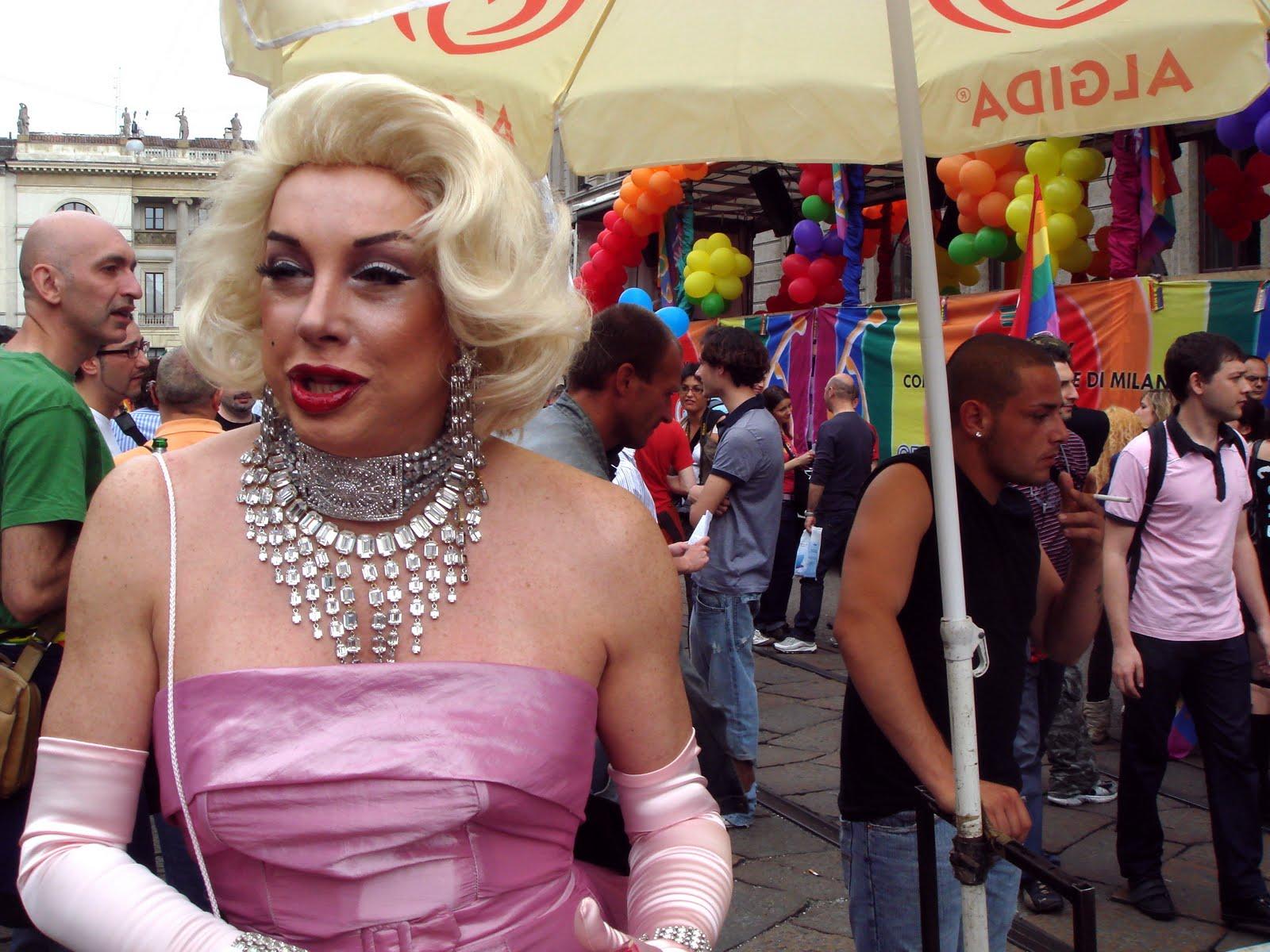 Carmen Cruz Nude Blond Transsexual