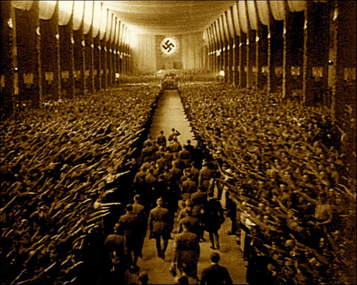 http://2.bp.blogspot.com/-8r-yW-bLtD8/U-uOJNaN7UI/AAAAAAAAXXc/BfmzBTni01Q/s1600/hitler%2Bartistas-en-dictaduras-2.jpg