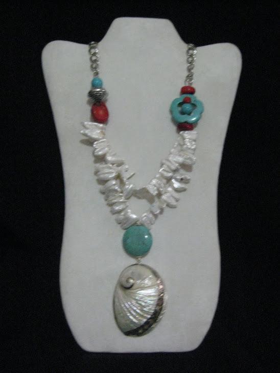 C04117 Collar Perlas , Turquesa, Coral y Caracol