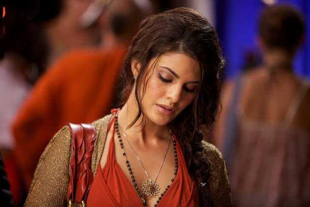 25 Bollywood Actress Jacqueline Fernandez in Murder 2 Photoshoot
