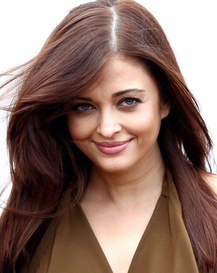 Aishwarya Rai Bachchan 2011 Photo Gallery At Cannes