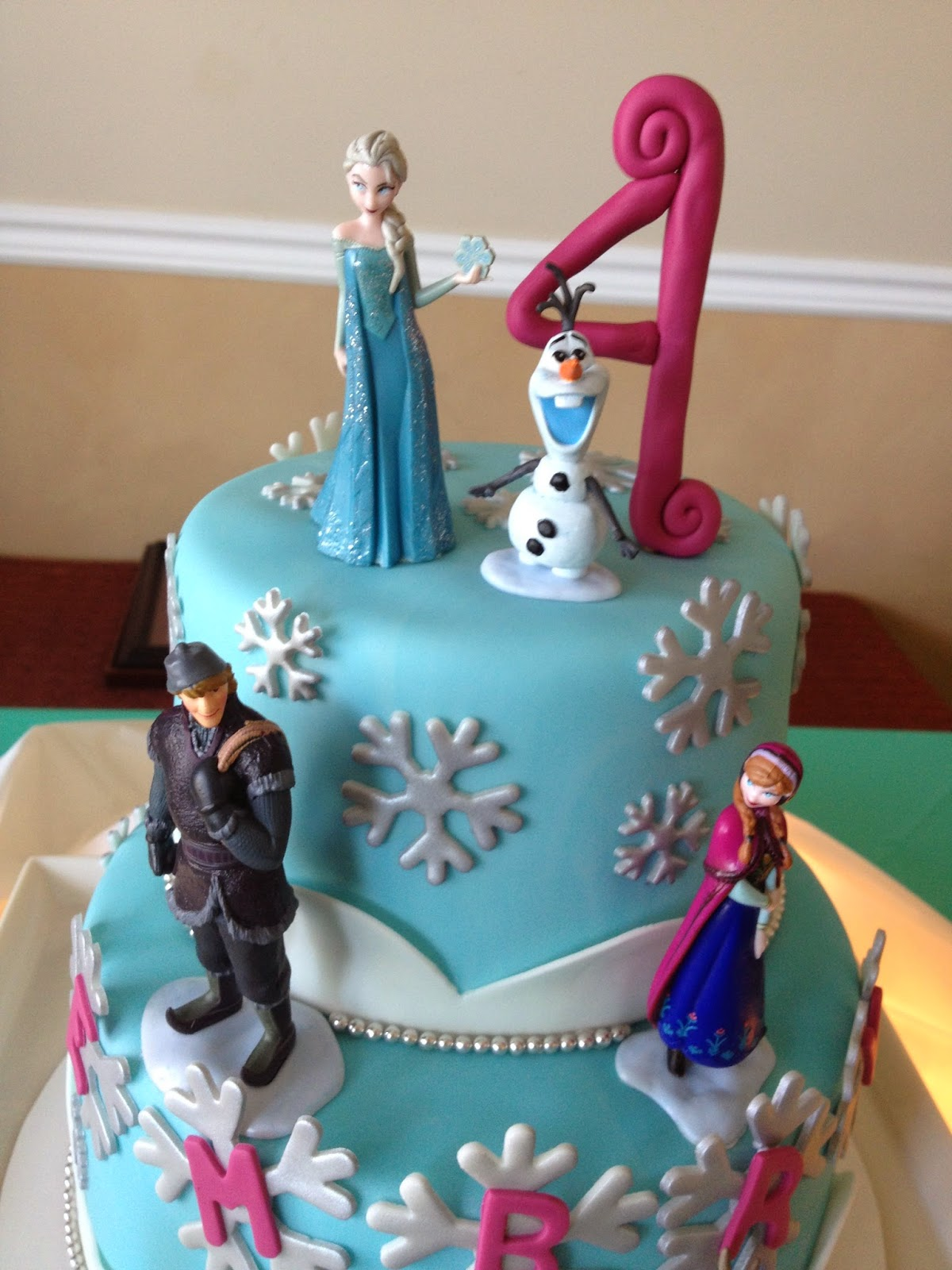 Sugar Love Cake Design Frozen Birthday Cake