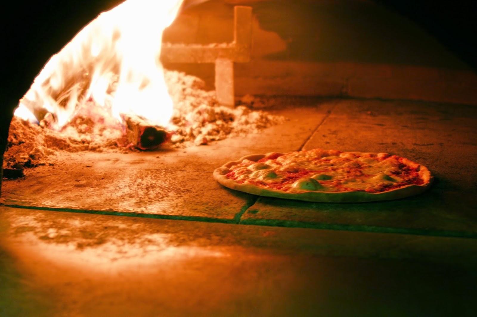 Pulizia della canna fumaria per forni a legna di pizzerie - Forno senza canna fumaria ...