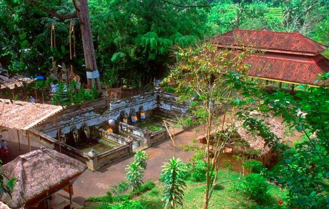 goa gajah a historic tourist attraction in bali. Black Bedroom Furniture Sets. Home Design Ideas