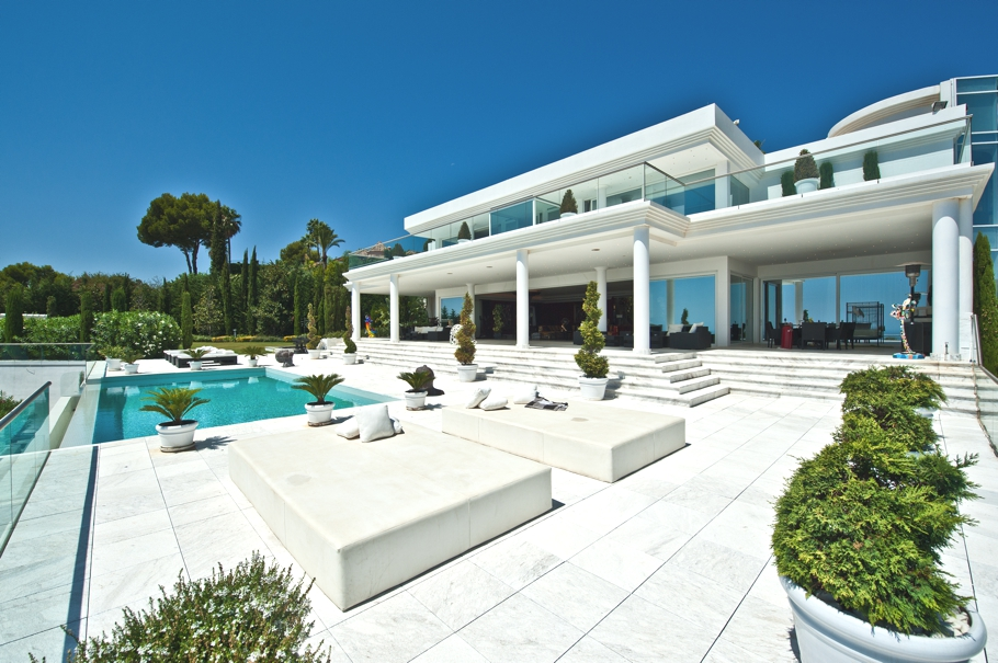 Luxury villa in marbella spain for saleglamorous luxury - Luxury homes marbella ...