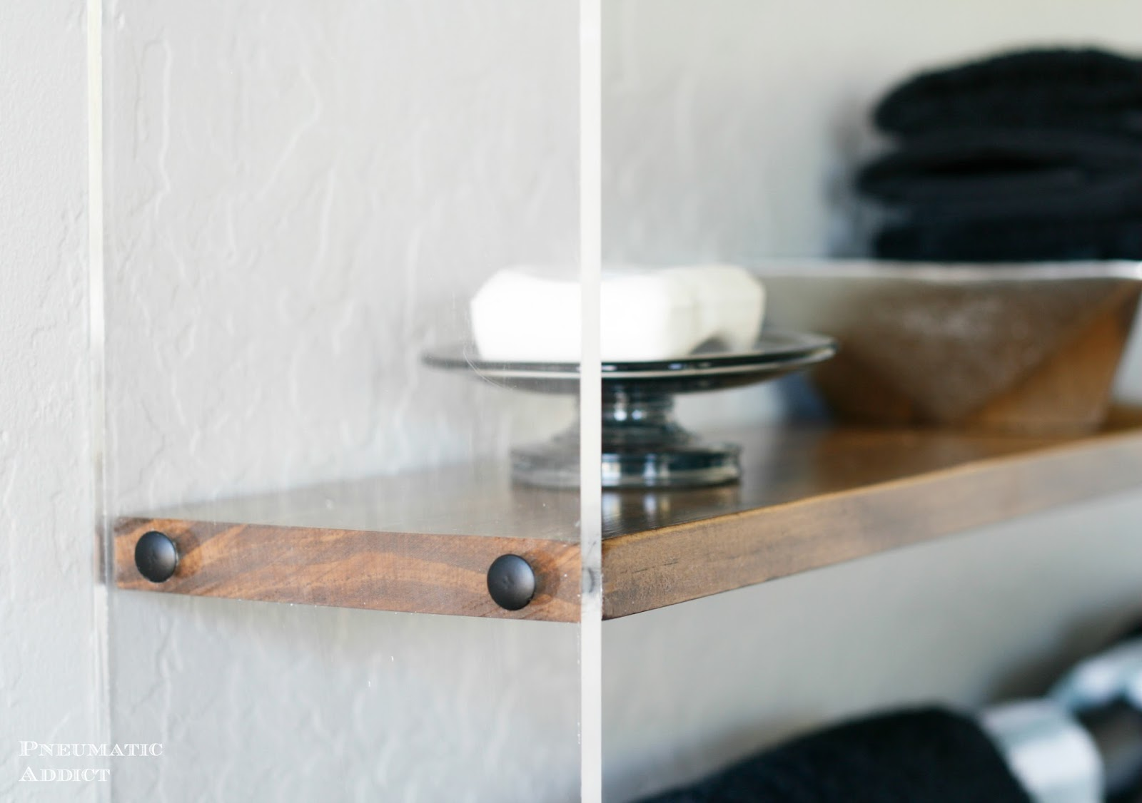 Pneumatic Addict : Wood and Acrylic Bathroom Shelf