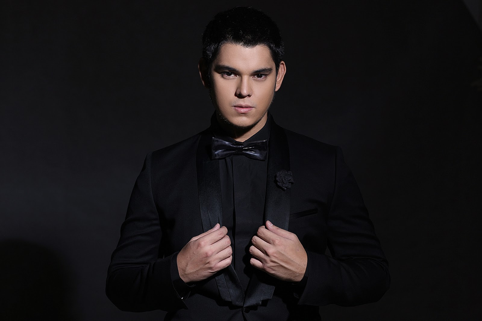 planet philippines by richard guttierez Raymond gutierrez explains why he pursued a career in hosting despite his mother's insistence on him being an actor he also reacts on being compared to his twin brother, richard gutierrez.
