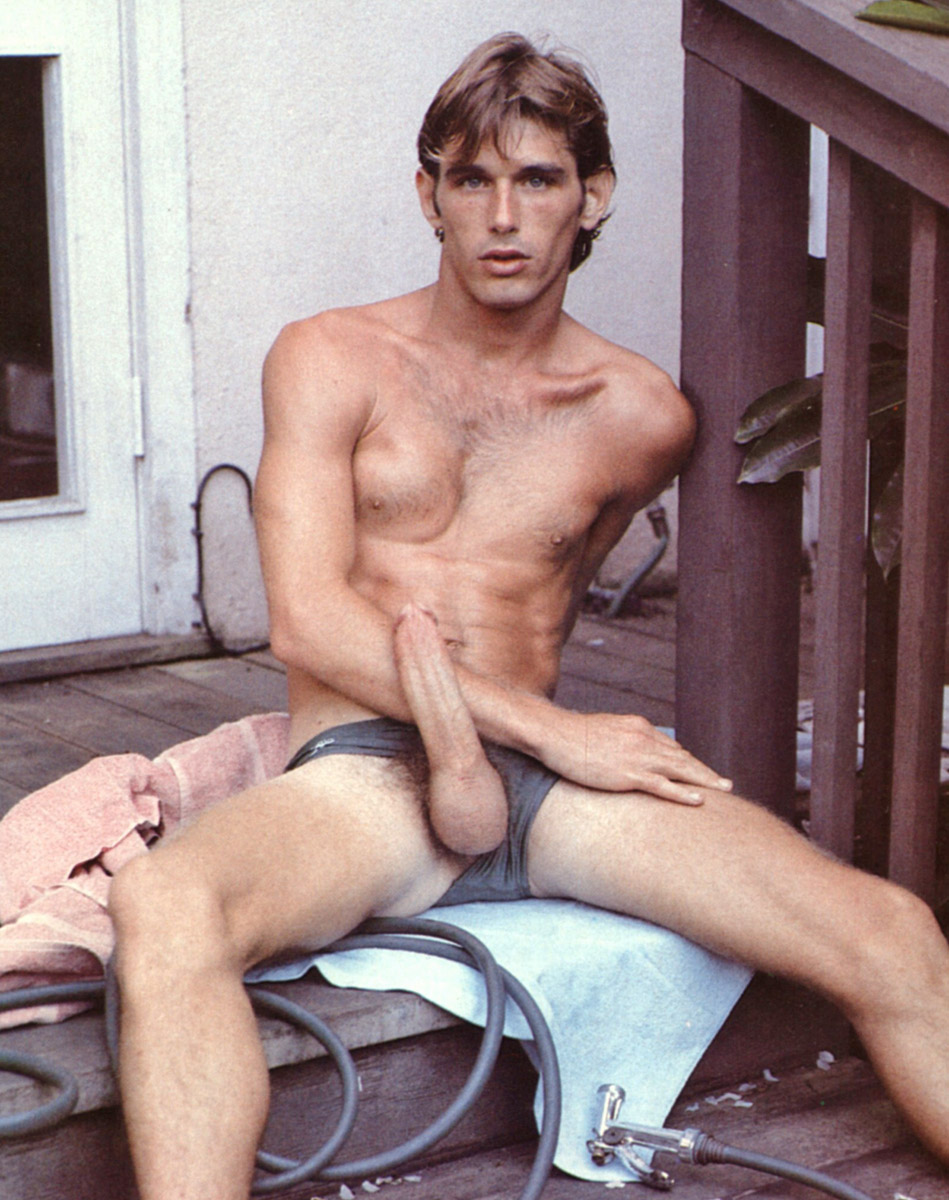 muscular men photos free gay