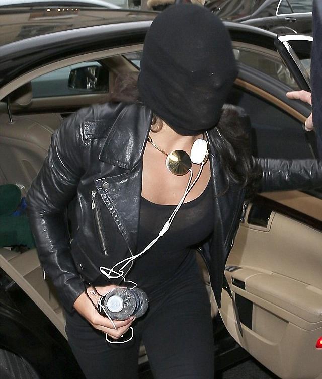 Michelle Rodriguez se puso un gorra en la cara
